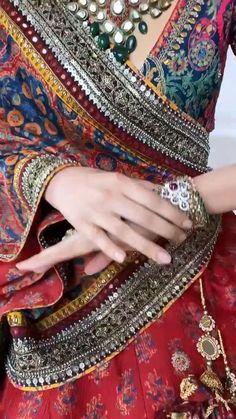 Wedding Lehenga Designs, Designer Bridal Lehenga, Bridal Lehenga Choli, Wedding Lehnga, Indian Gowns Dresses, Indian Fashion Dresses, Indian Designer Outfits, Indian Dresses Traditional, Indian Wedding Video