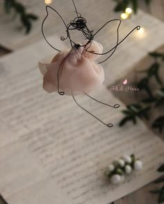 Wire and textile unique handmade creations with a soul Wedding, Events,Kids decor For kind hearts only – BuzzTMZ Wire Ornaments, Christmas Tree Ornaments, Christmas Decorations, Doll Crafts, Fun Crafts, Diy And Crafts, Christmas Makes, Christmas Diy, Diy Angels