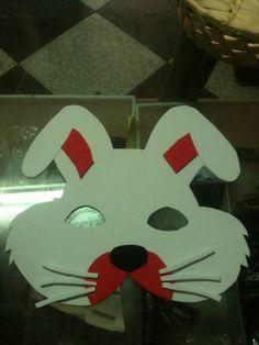 Antifaz de conejo con goma eva