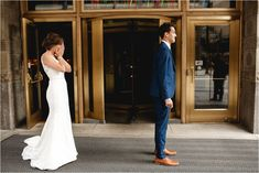 THE FIRST LOOK : downtown chicago BLAKE + NICOLE (Salvage One, Chicago) - Janelle Elise photography