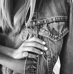 Black Denim, Blue Jeans, Denim Jeans, Mississippi Queen, Black And White Theme, Pants, How To Wear, Layers, Portraits
