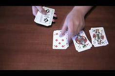 Zaubertricks gefallen vor allem Kindern. Für einfache Tricks reichen oft schon Spielkarten und eine Schritt-für-Schritt-Anleitung.