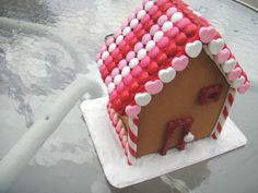 Valentine's day gingerbread house. Well thats a neat idea! who says gingerbread is only for Christmas?