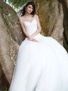 no - Nettsbutikk & Brudesalong Sincerity Bridal, Wedding Dresses, Fashion, Bride Dresses, Moda, Bridal Gowns, Fashion Styles, Wedding Dressses