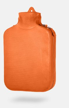 The hot water bottle becomes a bag. Bagigia $460
