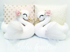 ✨I Love how the golden beaks matches perfectly to the new pillow cases✨ Swan Nursery Decor, Baby Girl Nursery Decor, Diy Arts And Crafts, Felt Crafts, Fabric Crafts, Unicorn Pillow, Handmade Cushions, Baby Sewing Projects, Plush Pattern