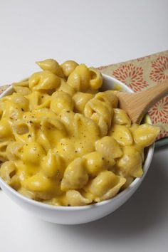 Produce on parade - creamy vegan mac and cheese - i've made a lot Vegan Recipes Videos, Vegan Recipes Easy, Great Recipes, Dinner Recipes, Cooking Recipes, Vegan Meals, Vegan Dishes, Dinner Ideas, Favorite Recipes