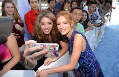 Pin for Later: Seht alle Stars bei den MTV Movie Awards Bella Thorne
