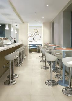 The essential design of FMG's Pure range of porcelain tiles epitomises contemporary style for floors and walls: chic, personal, elegant moods created through a blend of tradition, nature and next-generation technology