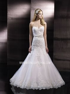 Strapless gown with sweetheart neckline and lace. Sash at waist. Wedding, Wedding dress. Moonlight Couture style: H1243