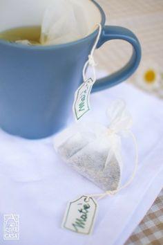 Una bustina di tè verde.
