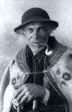 Góral z fajką | Album fotografii Nowego Targu