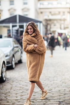 Max Mara cozy teddy bear coat #style #fashion #fall #winter #streetstyle