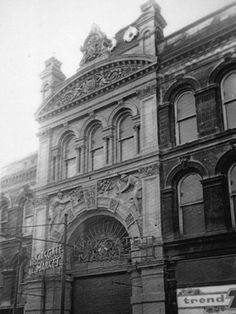Darley Street entrance to Kirkgate Market 1971 Underground Caves, Local Studies, West Yorkshire, Old West, Bradford, Vintage Images, New Pictures, Britain, Louvre