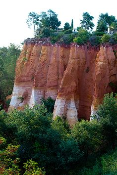 The colors of Provence: Ochre Quarries (Sentier des Ocres, Ochre Path), Roussillon, Vaucluse, France