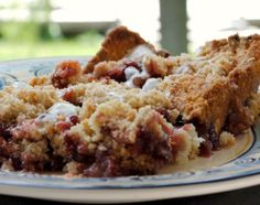 Lingonberry Bars Recipe. Can be gluten free with the right ingredients Swedish Recipes, Swedish Foods, Norwegian Recipes, Baking Recipes, Dessert Recipes, Desserts, Dessert Ideas, Lingonberry Recipes, Norwegian Food