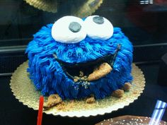 I think this is the only not scary Cookie Monster cake I have EVER seen.