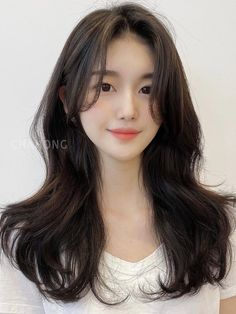 Korean Haircut Long, Korean Long Hair, Korean Hair Color, Short Hair Korean Style, Korean Hair Medium, Korean Perm, Haircuts Straight Hair, Long Hair Cuts, Hairstyles With Bangs