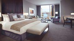 Trump International Hotel & Tower Chicago Deluxe Guestroom