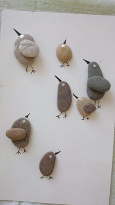 An assortment of stone birds Pebble Stone, Pebble Art, Stone Art, Pebble Pictures, Stone Pictures, Sea Glass Crafts, Sea Glass Art, Stone Crafts, Rock Crafts