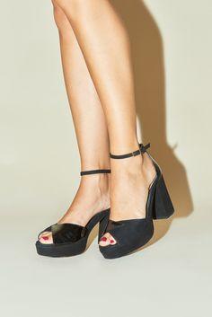 ec9b2b2c5348f3 Sandales à talons femme élégantes et stylées à pour des tenues chics et  intemporelles ROUJE Chaussures