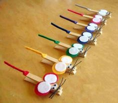 Save time for creative and interesting ideas. Make creative stuff out of wooden pegs. You can make awesome decorations out of wooden pegs or some things Hat Crafts, Craft Stick Crafts, Clothespin Crafts, Craft Box, Wooden Pegs, Wooden Crafts, Art For Kids, Crafts For Kids, Arts And Crafts