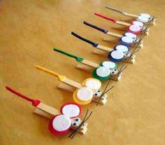 Activités Kid's : pinces à linges, feutrine...Et hop hop hop des souris toutes mimis ! http://fb.me/6uOmBTUC9