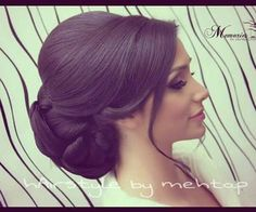 Hairstyle por MarocainDresses en We Heart It Bridal Hair Updo, Wedding Hair And Makeup, Hair Makeup, Hair Up Styles, Medium Hair Styles, Hair Design For Wedding, Old Hollywood Hair, Quinceanera Hairstyles, Bride Hairstyles