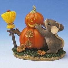 Building a Pumpkins Man Charming Tails Artist Dean Griff
