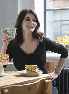 cacklemygladys: Sunday - Nigella repeats, fresh coffee and an apple and cinammon chinois. <3