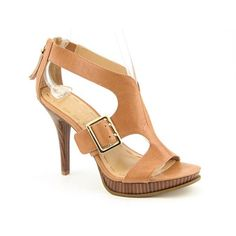 http://www.madpinner.com/nine-west-amberlina-strappy-sandals-platforms-sandals-shoes-beige-womens/ Turn it up with the sexy Nine West Amberlina sandals. These sandals feature a leather upper with buckle decor and back-zip closure. Man-made lining and a padded man-made footbed offer smooth comfort. A stacked platform and stiletto heel add staggering height. The man-made outsole provides lasting traction.