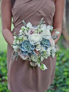 Your wedding bouquet will be one of a kind with these textured beauties. Take a look at these 15 organic succulent wedding bouquets for any bridal style.