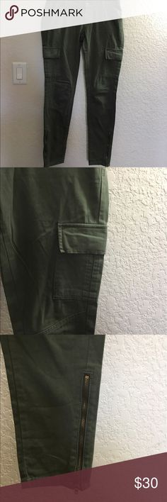 Levi's olive ankle pants Zip ankles, with pockets, gold hardware. EXTREMELY CUTE!!! Saids sz2 but will fit a 4. No wear or tear amazing condition! Levi's Pants Skinny