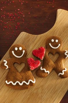 Betty Pinterest followers are sharing this unique gingerbread recipe like crazy! No mixer required: These gingerbread boys and girls are mixed up right in a saucepan. Candy-coated hearts add extra Christmas cuteness.