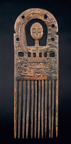 Africa   Comb from the Ashanti people of Ghana   Wood   Mid 20th century African Masks, African Art, Ashanti People, Afro Comb, African Sculptures, Art Premier, Out Of Africa, Stone Crafts, Sketchbook Inspiration