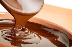 Quick Spicy 'Better than Sex' Chocolate Ganache Recipe Easy Chocolate Icing Recipe, Milk Chocolate Ganache, Chocolate Coating, Melting Chocolate, Chocolate Recipes, Carob Recipes, Chocolate City, Delicious Chocolate, Chocolate Fondue