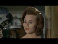"""ROCIO DURCAL - """"Los piropos de mi barrio"""" - De la película `La chica del trébol´ - 1963"""
