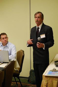 Photo of Sid Hale was captured at the Niche Affiliate Marketing System Workshop held in Atlanta, GA on January 29-February 1, 2010.    To learn more about the next NAMS Workshop, go to www.NAMSExperience.com.     Tired of Paid Traffic? Have You Heard about the New Niche Era?
