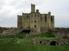 Warkworth Castle, Northumberland: an important residence of the Percy family during the Middle Ages. The castle's most notable feature is its 'donjon' (keep), which was constructed in the 1370s. The donjon was built according to an intelligent, compact design that makes excellent use of space – whilst also maintaining an aura of grandeur.