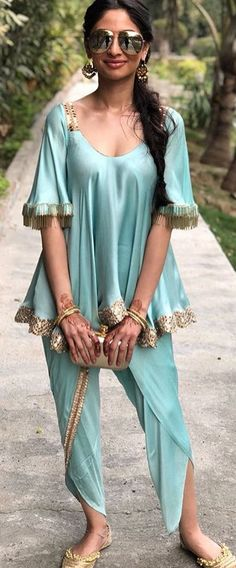 Jasmine costume Classic Indian salwar kemeez Click VISIT link above for more details Indian Attire, Indian Wear, Indian Gowns, Pakistani Outfits, Indian Outfits, Tandoori Masala, Kurta Style, Indian Bridal Fashion, India Fashion
