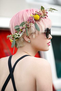 Use real flowers for this simple flower crown #DIY! #festival #style