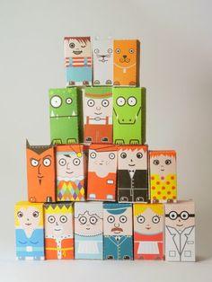 Personatges macos!! I poden servir x a construcció, x a imaginar escenes i per jugar a les birles!!! Paper toys
