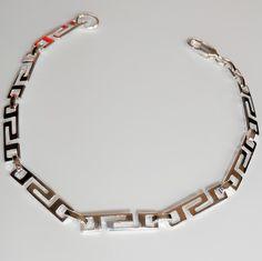 Bracelet grèce antique en argent 925. Disponible sur la boutique en suivant ce lien: https://bijouxagogo.com/p/bracelet-femme-argent-massif-grece-antique-58074/