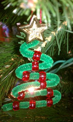 Pipe-cleaner Christmas Tree