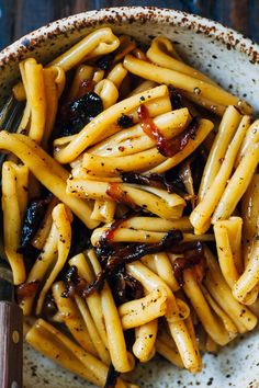 Vegan Caramelized Onion Pasta | Well and Full | #vegan #pasta #recipe Cooking Pasta, Cooking Pork, Cooking 101, Pasta Food, Cooking Wine, Easy Cooking, Pasta Dishes, Pasta Salad, Cooking Recipes