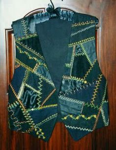 Patchwork kirkyama vest models - Sewing, Sewing narration, Sewing lessons, Sewing videos, Learning t Quilted Clothes, Quilted Vest, Sewing Pants, Sewing Clothes, Artisanats Denim, Shweshwe Dresses, Stitching Dresses, Baby Dress Patterns, Denim Ideas
