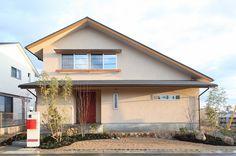 施工写真集|株式会社安成工務店 Concrete Houses, Japanese House, Minimalist Home, Interior And Exterior, Facade, Architecture Design, Shed, Floor Plans, Outdoor Structures