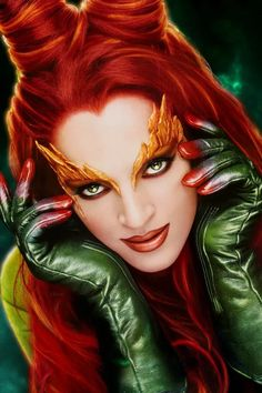 Easy Costumes, Diy Halloween Costumes, Costume Ideas, Uma Thurman Poison Ivy, Poison Ivy Costume Diy, Poison Ivy Makeup, Poison Ivy Pictures, Green Leotard, Green Tights