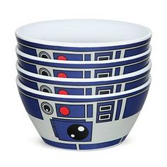 This set of 4 melamine bowls is decorated like everybody's favorite astromech droid: R2-D2. Each holds around 18 fl. oz., perfect for that sundae made with ice cream fresh-churned from blue milk.