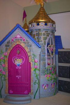 disney princess wonderland castle playhouse by little tikes Disney Princess Bedroom, Princess Room Decor, Princess Bedrooms, Toddler Princess Room, Disney Princess Toys, Princess Playhouse, Castle Playhouse, Princess Castle, Kids Bedroom